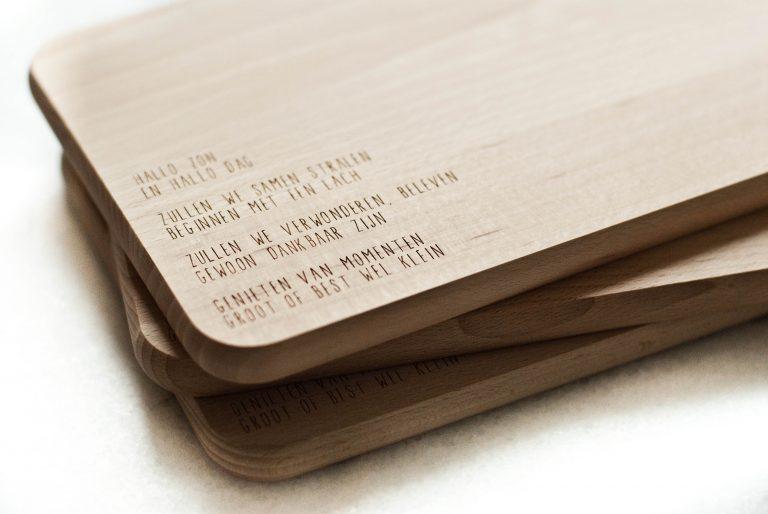 wooden board with poem gewoon jip