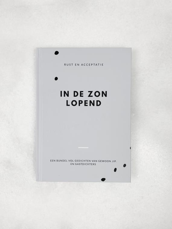 IN DE ZON LOPEND | BOEK